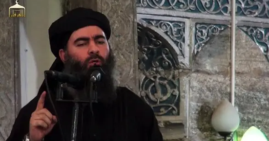 Abu Baker Al- Baghdadi en la mezquita al-Nuri de Mosul (Irak). Fuente: New York Times