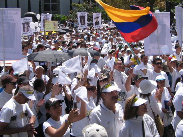 Marcha Contra las FARC en Medellín Colombia. 4 de febrero 2008. (medea_material)