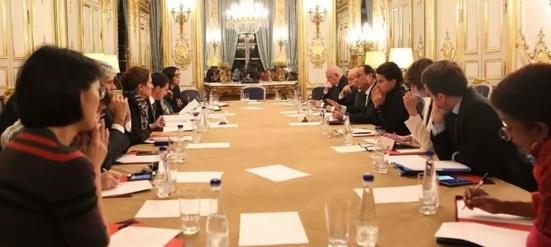 Imagen 5: Reunión del Consejo de Ministros en la que se decidió establecer el estado de emergencia. Fuente: New York Times.