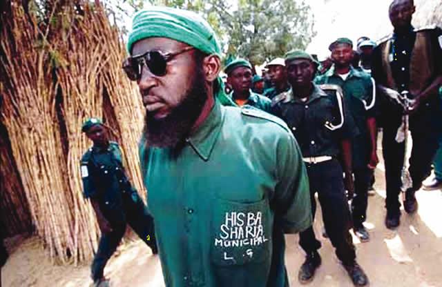 Figura 1. Miembros de la Junta de Hisbah del estado de Kano, Nigeria, en una de sus patrullas. Imagen: Nigel Dickinson.