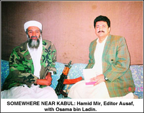 Osama Bin Laden y Hamid Mir. Fuente: Dawn.