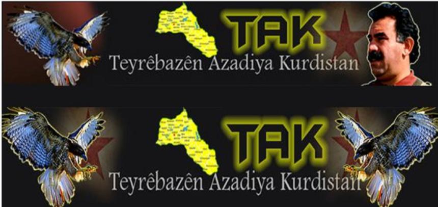 """En la parte superior de la imagen se puede ver el logo de los TAK en una imagen obtenida de su página web """"oficial"""" en el año 2016. La parte inferior corresponde a julio de 2019, como puede comprobarse, la fotografía de Abdullah Öcalan ha sido eliminada. Fuente http://www.teyrenbaz.net/"""